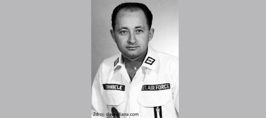 Další důstojník amerického letectva mluví o vyřazování raket od UFO