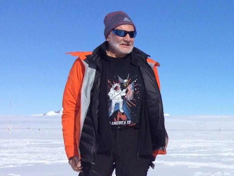 buzz_in_antarctica