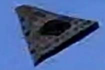 Další létající trojúhelníky vyfotografovány blízko Orlanda, Florida
