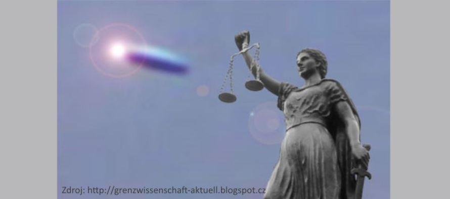 Rozhodnutí soudu: německý parlament musí poskytnout přístup k tajným zprávám o UFO