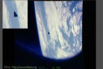 Na stránkách NASA objeveno trojúhelníkovité UFO
