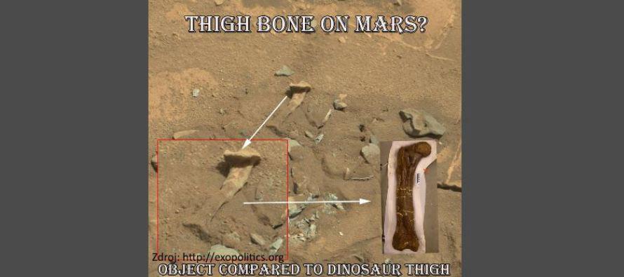 Vozítko na Marsu vyfotilo stehenní kost