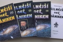 """Recenze knih Zdeňka Patricka """"Silnější než Däniken"""" – díly 1-5"""